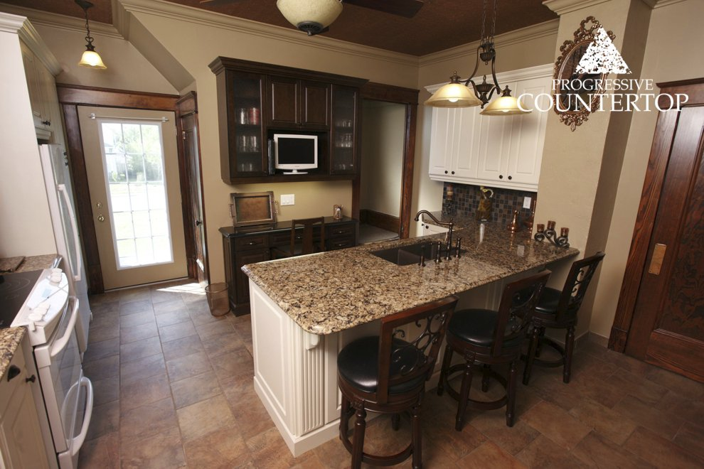 A Kitchen With Vintage Character: 1_Canterbury_Quartz_and_Black_Galaxy_Granite